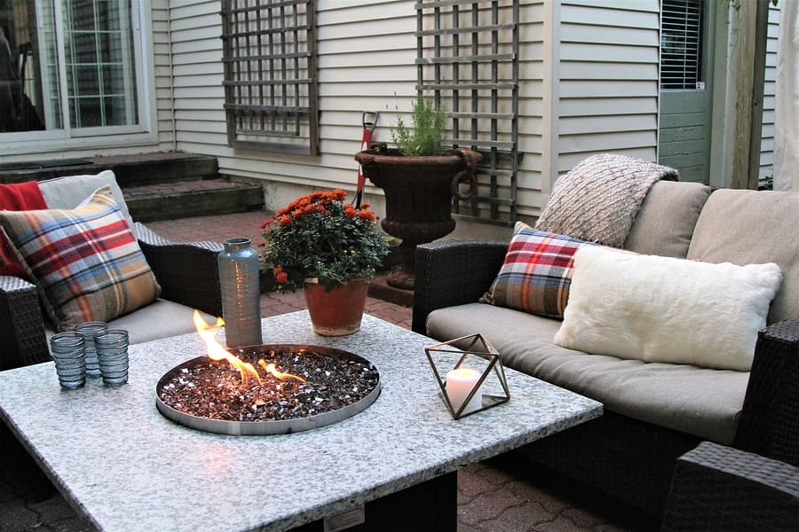 Late Fall Is the Perfect Time for Outdoor Lounging