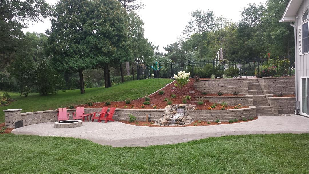 The Benefits of Retaining Walls in Your Landscape